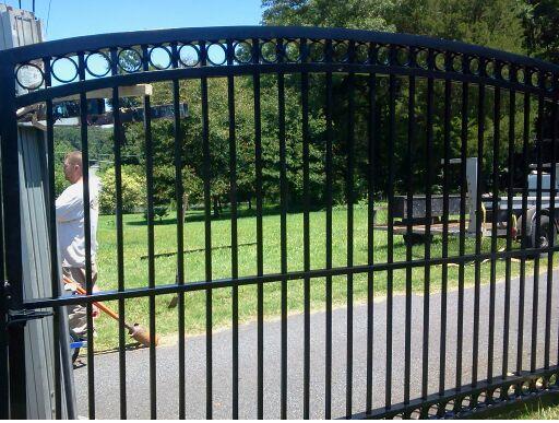 custom driveway gate builder in charlotte nc